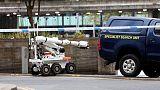 الشرطة البريطانية تستجوب رجلا بشأن طرود مريبة في مانشستر