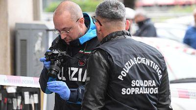 Spari tra folla a Napoli, tre feriti