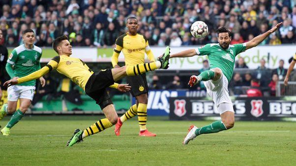 Golden oldie Pizarro deals Dortmund hopes another blow