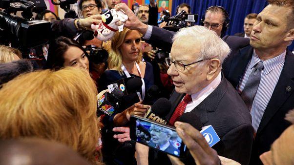 Warren Buffett praises Kraft Heinz operations, says Wells Fargo made 'big mistakes'