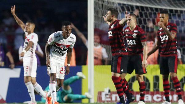 Late goal earns Sao Paulo 1-1 draw with Flamengo