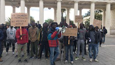 Corteo migranti Foggia:'No 3 euro l'ora'