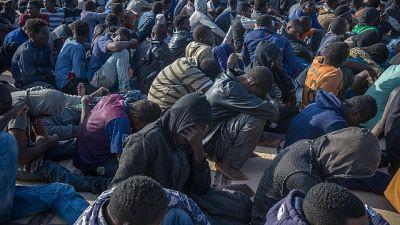 Immigrazione, arresto pubblici ufficiali