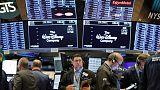 الأسهم الأمريكية تتراجع عند الفتح مع عودة المخاوف التجارية