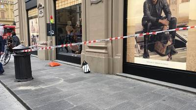 Allarme bomba per zaino a Firenze