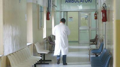 Visita ginecologica, serve consenso