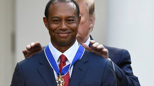 Golf - Emotional Woods accepts Medal of Freedom at White House