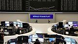 European shares struggle as trade concerns weigh