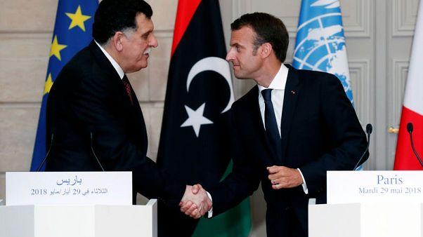 رئيس وزراء ليبيا فائز السراج يلتقي بماكرون يوم الاربعاء وسط توتر مع فرنسا