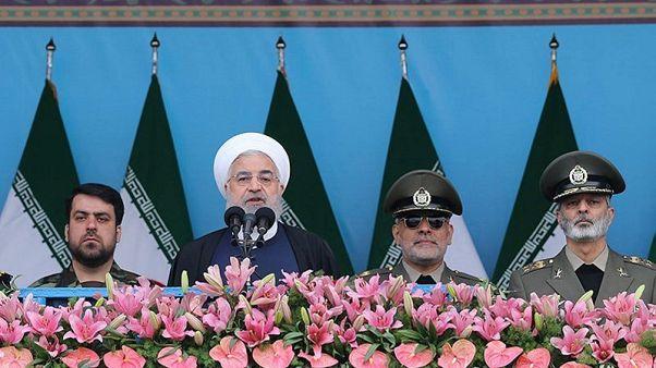 """إذاعة: إيران تبلغ قوى عالمية بأنها ستوقف تنفيذ """"بعض التزاماتها"""" في الاتفاق النووي"""