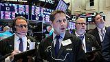 وول ستريت تفتح منخفضة مع قلق المستثمرين بشأن محادثات تجارية