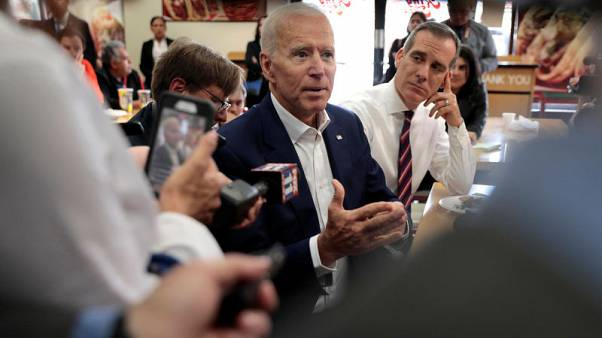 Biden meets with big-dollar California donors, invites press to attend