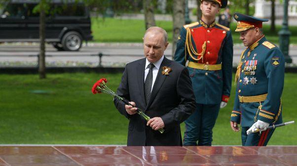 بوتين يتابع عرضا عسكريا بالميدان الأحمر
