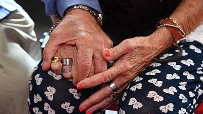 Anziani maltrattati, giudizio immediato