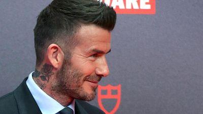 Beckham al telefono, stop patente 6 mesi