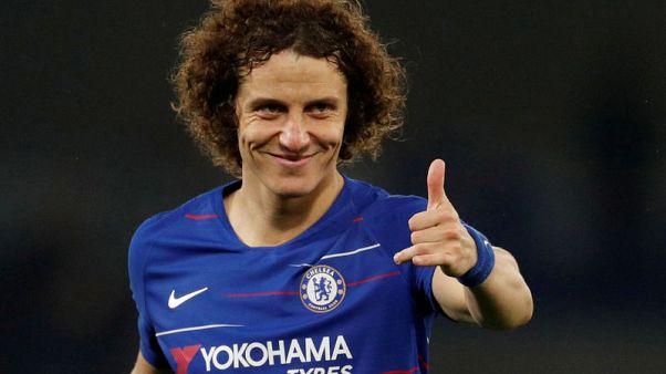 Brazilian Luiz extends Chelsea deal by two years