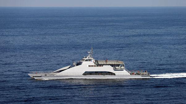 أمريكا تحذر السفن التجارية من هجمات إيرانية محتملة ورجل دين يهدد الأسطول الأمريكي