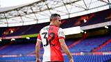 Van Persie wants to bow out with dignity