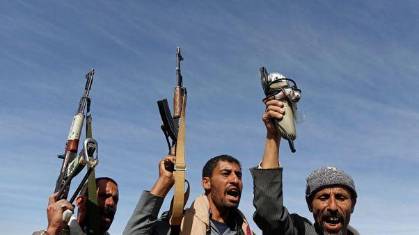 """وزير يمني يرفض انسحاب الحوثيين من الحديدة بوصفه """"مسرحية"""""""
