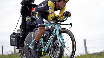 Cycling - Roglic takes Giro d'Italia lead with opening time trial win
