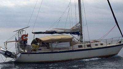 Migranti su veliero sbarcati in Calabria