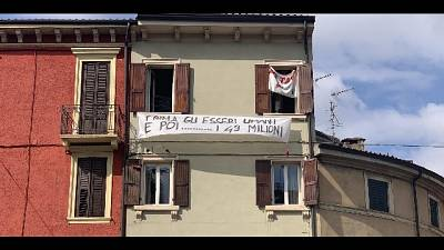 Striscione a Verona contro Salvini