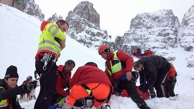 Valanga Dolomiti: due persone travolte