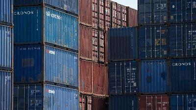 Migrante da Africa dentro un container