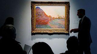 لوحة زيتية تحطم رقما قياسيا وتباع بأكثر من 100 مليون دولار في مزاد..فما السر؟