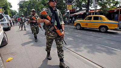 Soldiers patrol India's Kolkata after election violence
