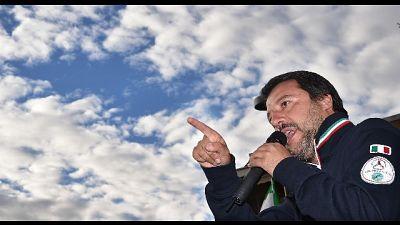 Striscione anti Salvini, denunciato