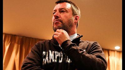 In video Salvini come Duce, sospesa prof