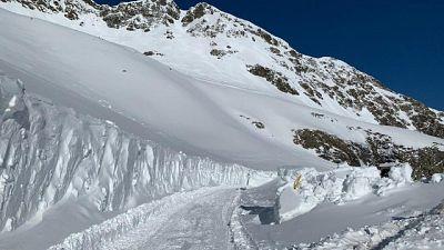 Passi altoatesini con 12 metri di neve