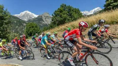 Giro Italia, M.Bianco illuminato di rosa