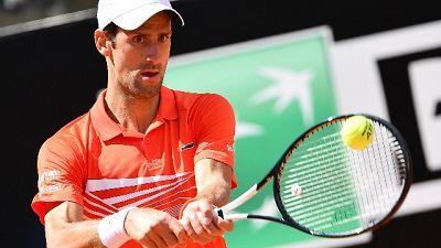 Tennis: anche Djokovic agli ottavi