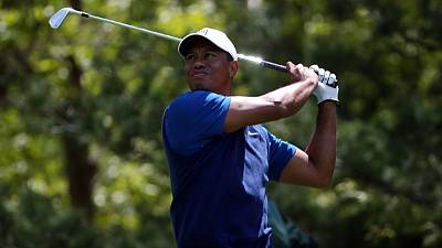 Double-bogey sets tone for Woods in dismal start at PGA Championship