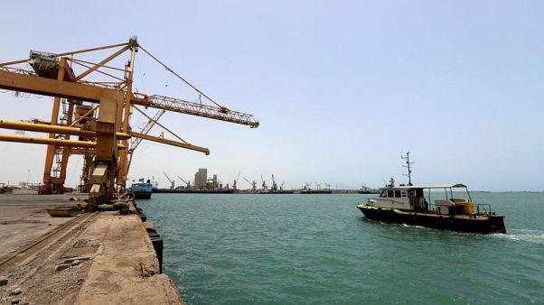 الفرقاء في اليمن يفشلون في الاتفاق على تقاسم إيرادات ميناء حيوي