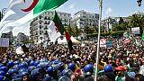 """Les Algériens dans la rue pour un 13e vendredi consécutif contre le """"système"""""""