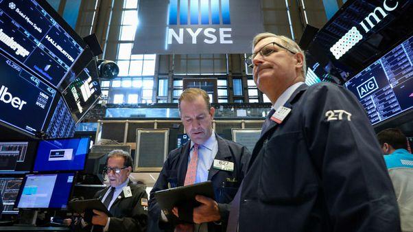 التوترات التجارية تهبط ببورصة وول ستريت وداو جونز يسجل رابع أسبوع من الخسائر
