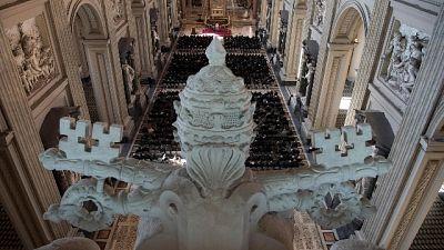 Chiesa apre a riconoscimento figli preti