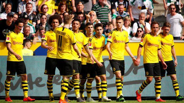 Dortmund beat Gladbach to finish second in Bundesliga race