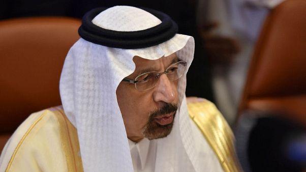 السعودية تقول منتجو النفط يريدون خفض المخزونات