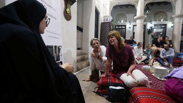فرصة نادرة للأجانب لتذوق الثقافة الإماراتية خلال رمضان