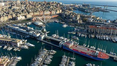 Bahri Yambu attracca in porto Genova