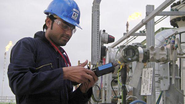 قازاخستان مستعدة لمناقشة تغييرات في اتفاق خفض إنتاج النفط العالمي