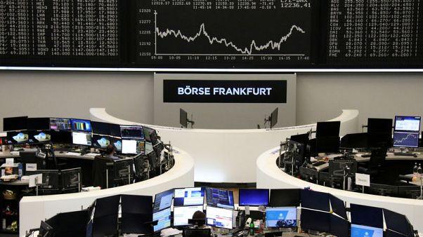 أسهم أوروبا تحت ضغط من صناع الرقائق ورايان إير ومخاوف التجارة