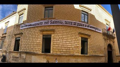 Salvini a Lecce, striscione 'benvenuto'