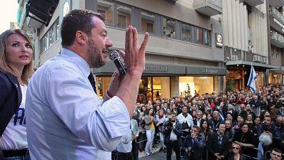 Salvini, vita si salva ma rispetto leggi