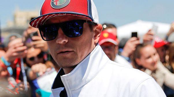 Raikkonen shrugs off 300 race milestone