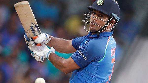 Dhoni best suited at No. 5 for India, says Tendulkar